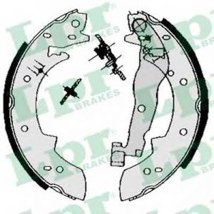 Комплект тормозных колодок 03330 lpr - RENAULT 16 (115_) Наклонная задняя часть 1.6 TA