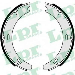 LPR 04730 Тормозные колодки барабанные
