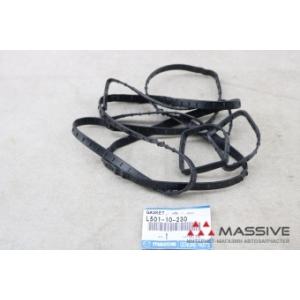MAZDA L50110230 Прокладка клапанной крышки