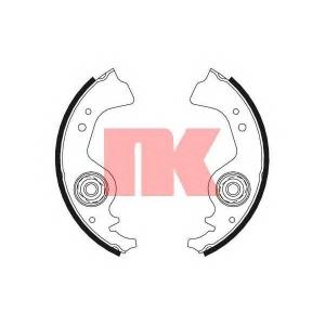 Комплект тормозных колодок 2723383 nk - FIAT 126 особый кузов 650
