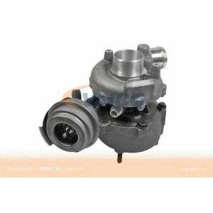 VAICO V10-8353 Turbo
